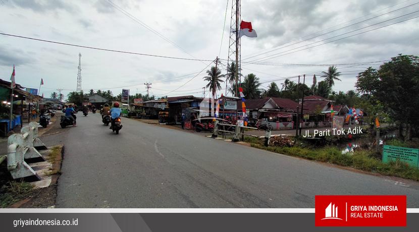 Jl Parit Tok Adik