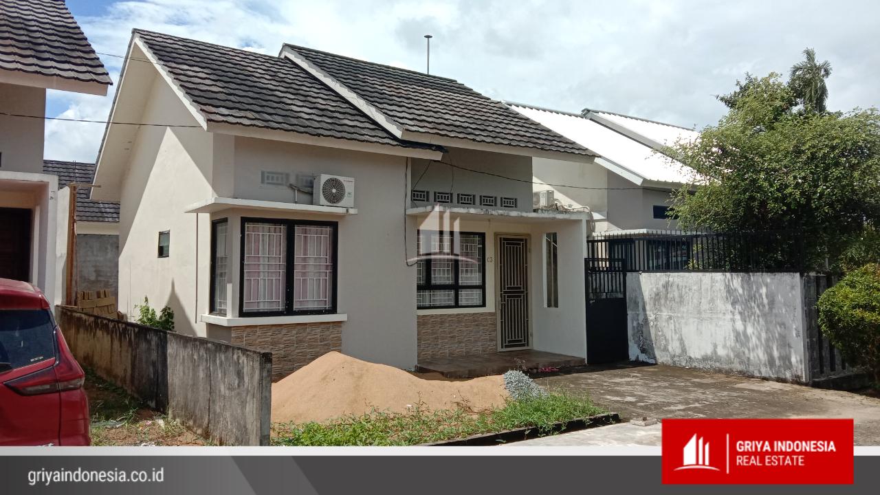 Dijual Rumah Dalam Perumahan Fasilitas Lengkap, Lokasi di Jl Adisucipto, Kubu Raya